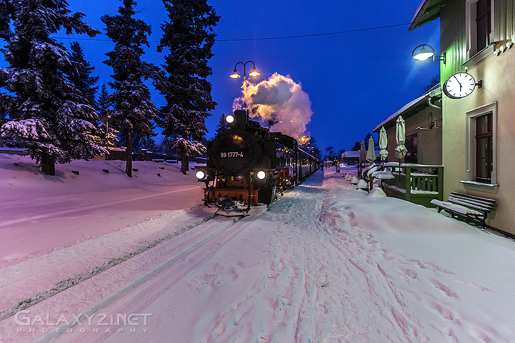 Winterliche Einfahrt Bahnhof Moritzburg